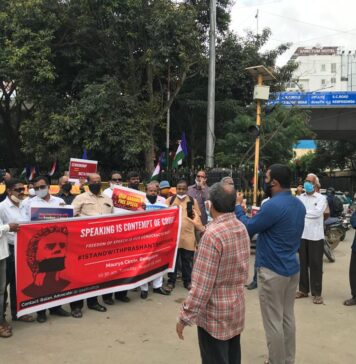 bangalore protests for Prashant bhushan